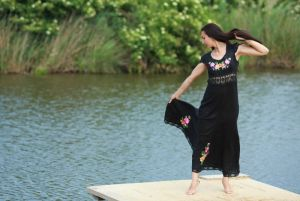 Чорна сукня з вишивкою Сукня Ч 7053