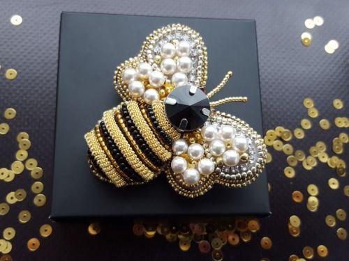 Брошка Бджілка з кристалами Сваровськи