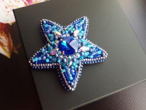 Ивченко Елена Брошь Звезда с кристаллами Сваровски