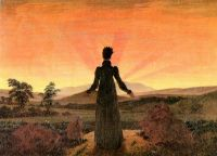 Женщина в лучах утреннего солнца