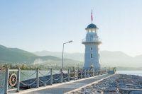 Пейзаж с маяком