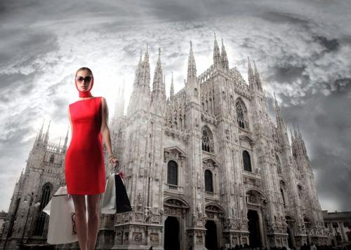 Мілан та модель в червоному