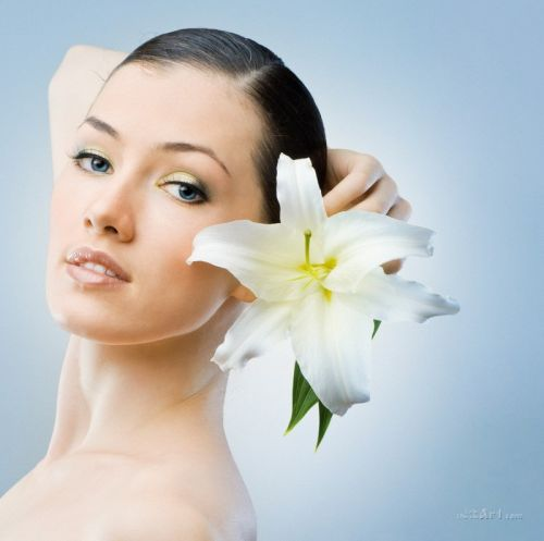 Портрет с цветком