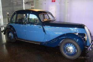 Германия. Мюнхен. Музей BMW