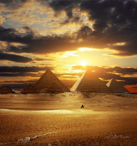 Пирамиды в песках