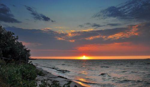 Захід сонця на Кінбурні