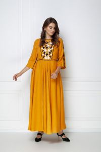 Вышитые платья Платье-макси «Мэри» охрового цвета