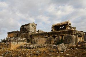 Руины подвалов