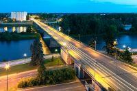 Мост через реку Луару в Орлеане во Франции