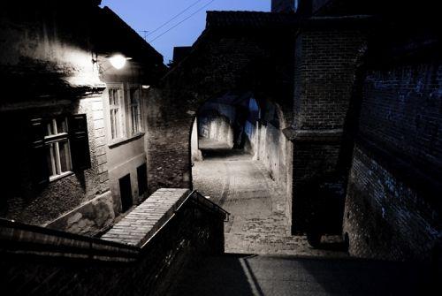 Середньовічна алея