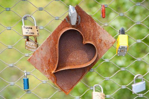 Колодка в виде сердца