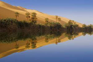 Озеро в пустыне
