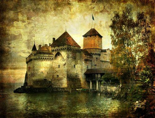 Таємничий Замок на березі озера
