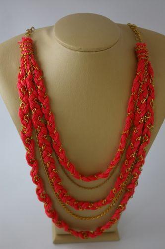 Ожерелье из хлопковых нитей и цепочек
