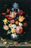 Цветочный натюрморт с ракушками и бабочками