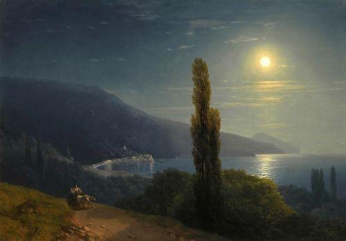 Вид Крыма в лунную ночь