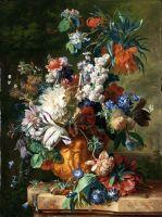 Букет цветов в урне