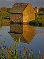 Маленький домик на озере