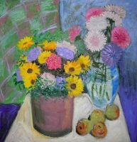 Цветы в двух вазах