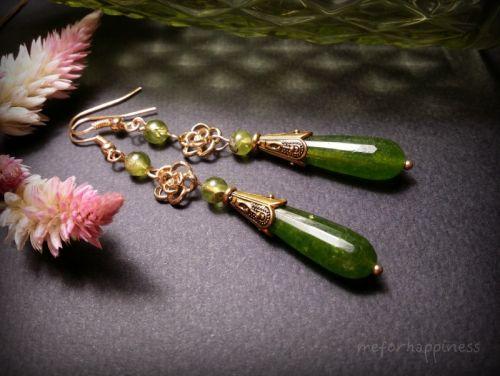 Зелені золоті сережки з хризоліту
