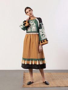 Жіночі вишиванки ручної роботи  Лляна сукня з аплікацією на грудях Icon Green