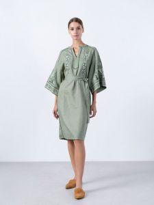 Платье вышиванка ручной работы Вышитое платье болотного цвета KOKO