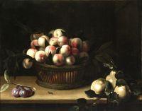 Корзина с персиками, айва и слива