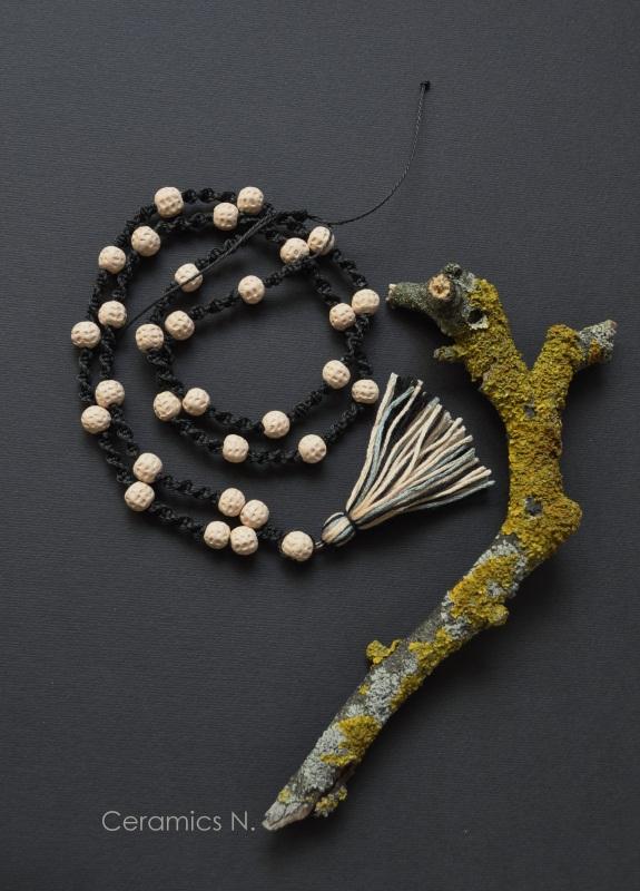 Хиппи Черно-белый керамика, шнур, нити Амброзяк Надежда - фото 1