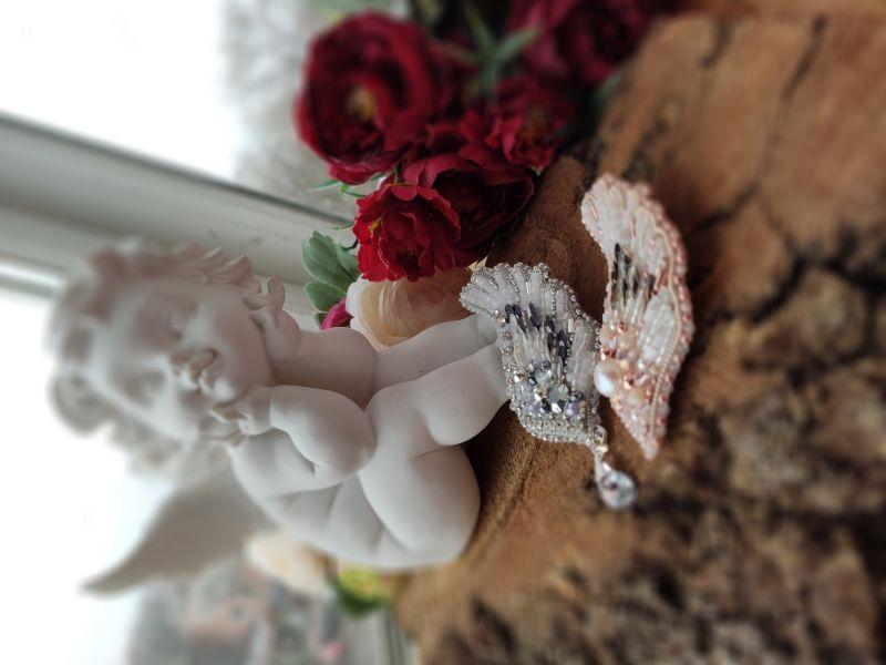 "Брошка ""Крыло ангела"" золото Белый Брошка виготовлена з чесь Бартенева Оксана - фото 7"
