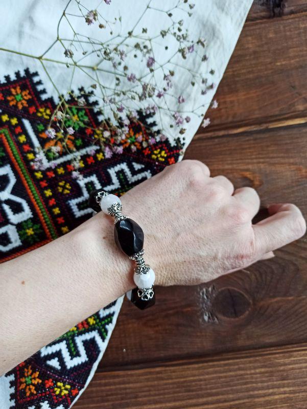 Браслет черно-белый Черно-белый Агат, металлическая фурни Бжезинская Ирина - фото 3