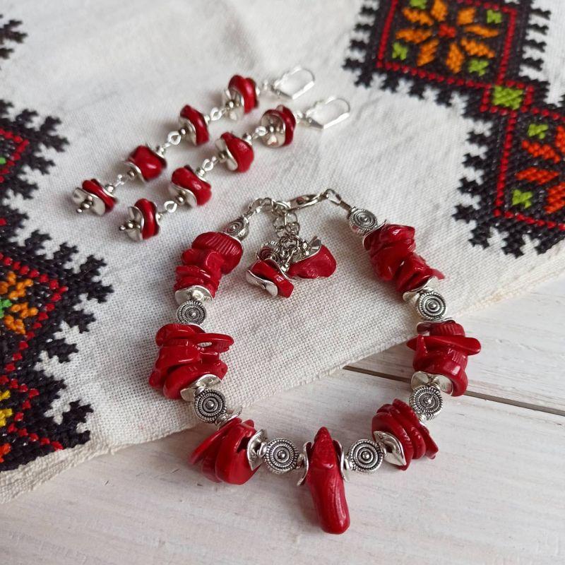 Комплект из браслета и сережек - натуральный коралл Красный Коралл, металлическая фур Бжезинская Ирина - фото 1