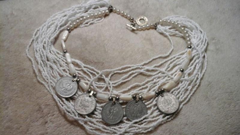 Намисто коралове з монетами Білий Білий корал, перламутр, п Блох Алла - фото 1
