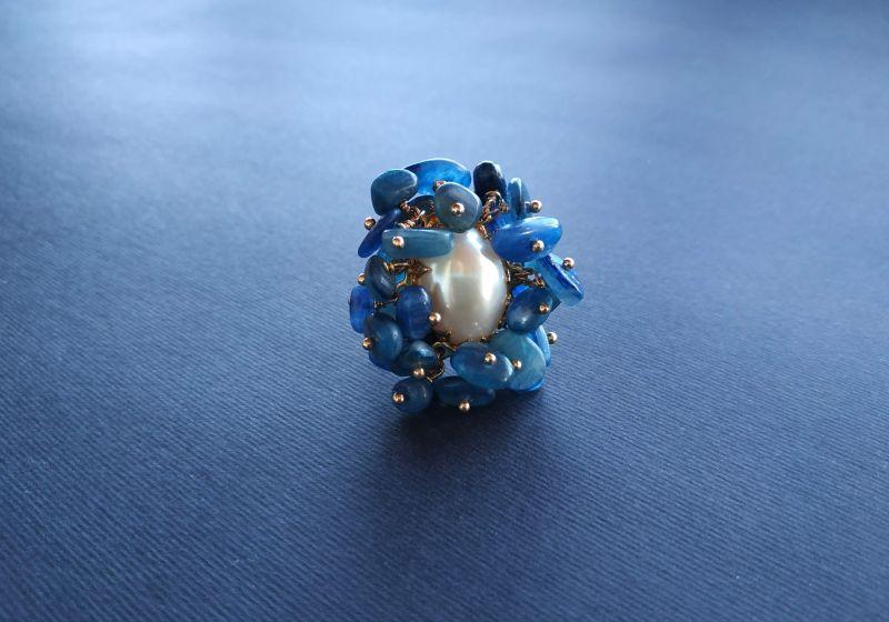 Кольцо из коллекции «Jardins De L`amour» Арт. R14920JDLA Синий Кианит, перламутр, латунь Богомолова Светлана - фото 5