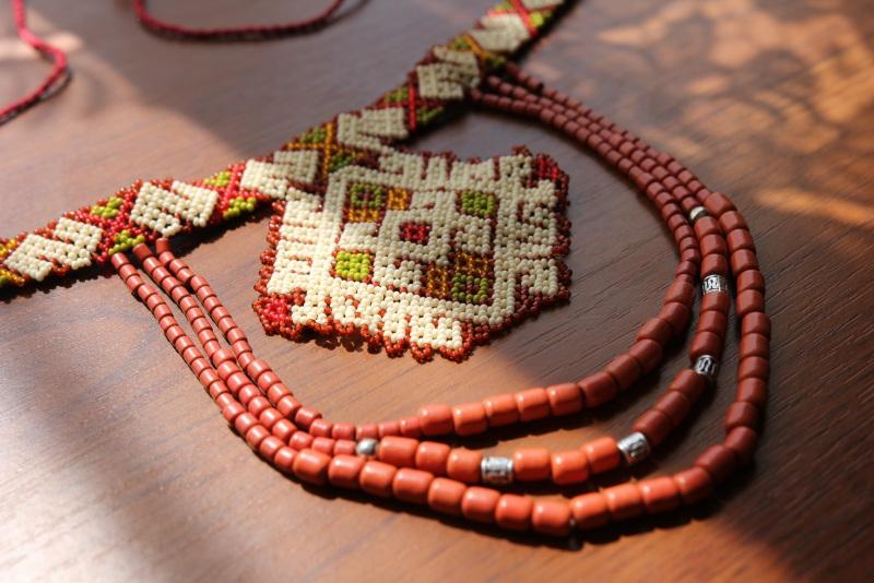 Аутентичная украшение Красный бисер, керамика ручной ра Бойчук Виктория - фото 1