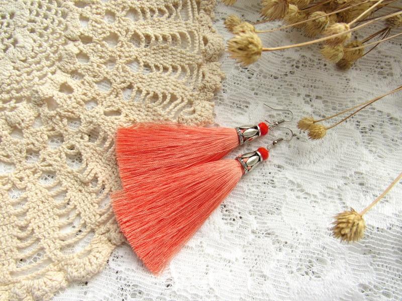 """Серьги """"Цветок персика"""" Красный Кисти из вискозного шелка Бурунова Елена - фото 1"""