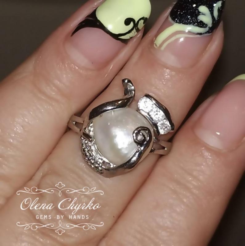 Кольцо с натуральным барочным жемчугом 19 размер.  Натуральный барочный жемч Чирко Елена - фото 1