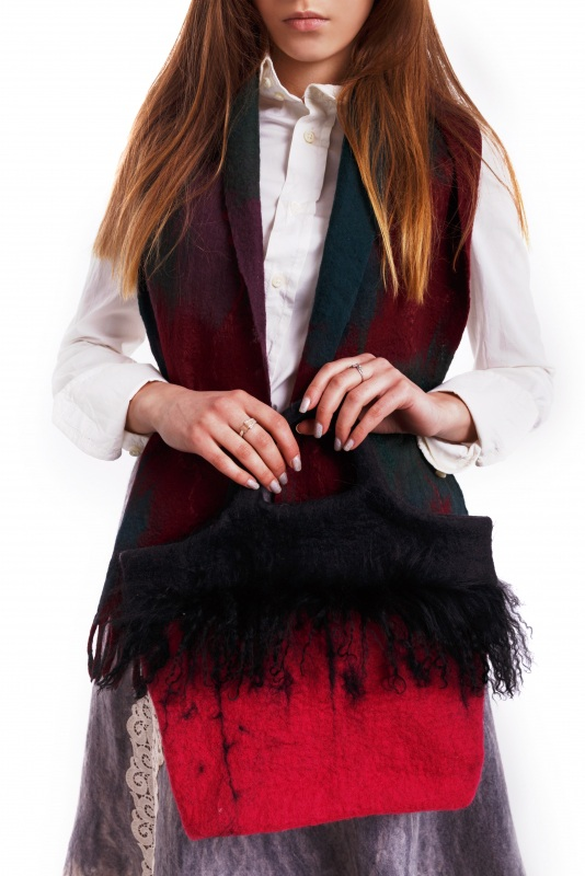 Валяная сумка с ламой Красный Войлок. мех ламы. котон д Домбровская Лариса - фото 2
