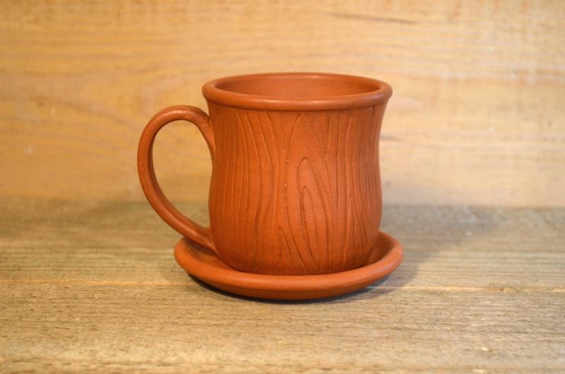 Чашка с блюдечком Коричневый Глина, лоскування, пчелин Гончарня Руслана Друка - фото 1