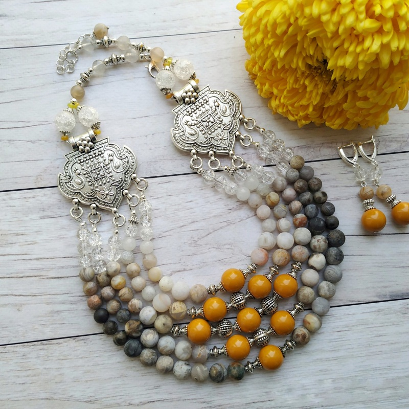 """Ожерелье """"Поздняя хризантема"""" Кофейный Ожерелье создано с желтой Дзюба Христина - фото 1"""
