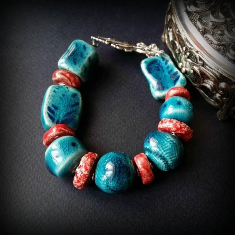 Красно-голубой браслет из керамики Голубой керамика ручной работы, ф Для Счастья - фото 1