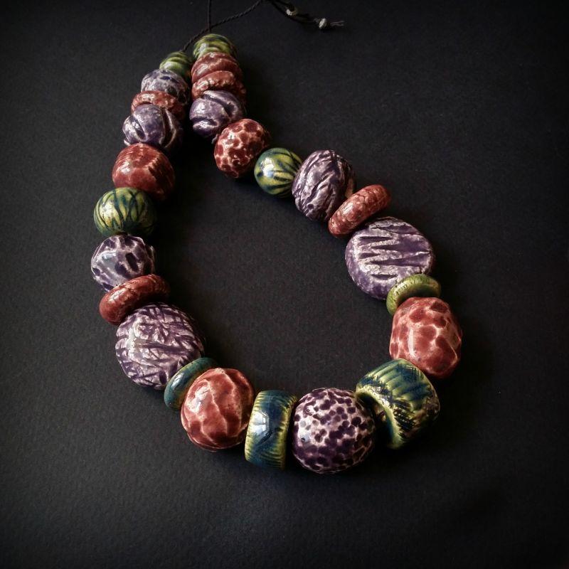 Букет сирени бусы из керамики ручной работы Разноцветный авторская керамика ручной Для Счастья - фото 1