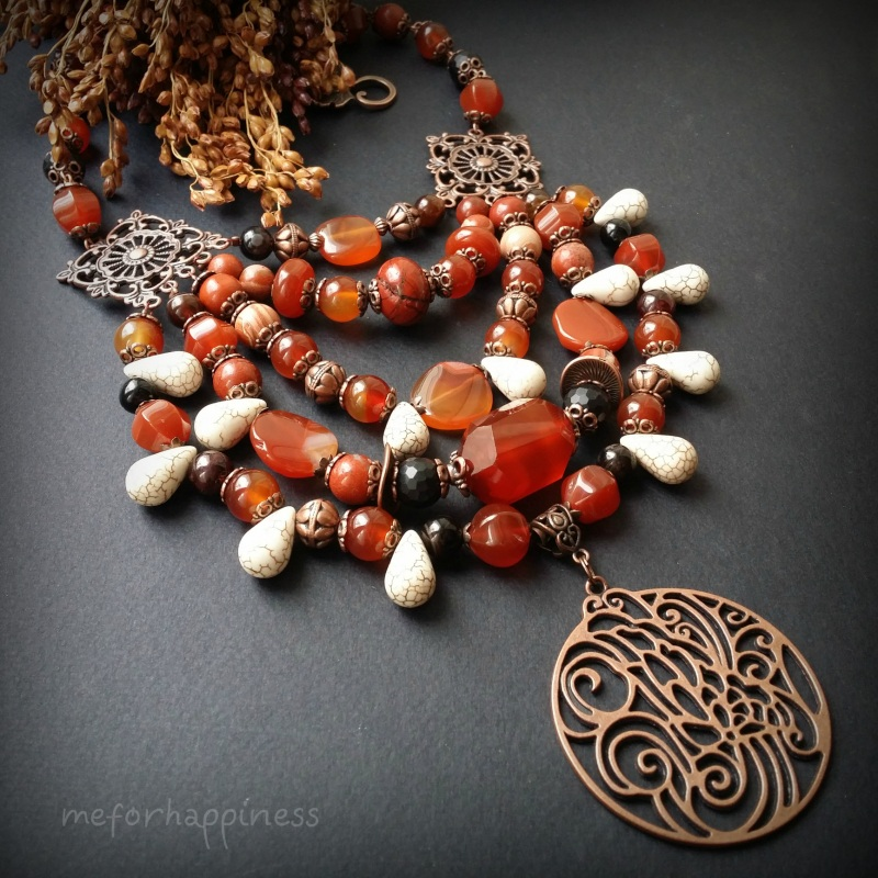 Красное ожерелье Рассвет в горах Разноцветный сердолик, агат, красная я Для Счастья - фото 1