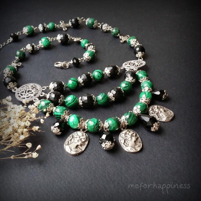 Малахитовое ожерелье с камеями Разноцветный змеевик прессованный, ага Для Счастья - фото 1