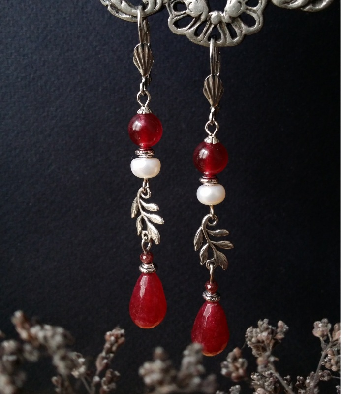 Розовые серьги с веточкой и жемчугом Красный тонированный кварц, грана Для Счастья - фото 1