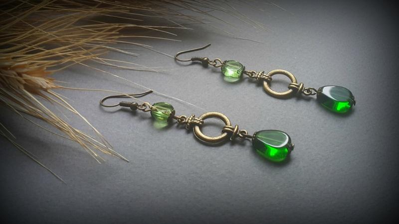Зеленые серьги Яркая трава  чешское  стекло, фурнитур Для Счастья - фото 1