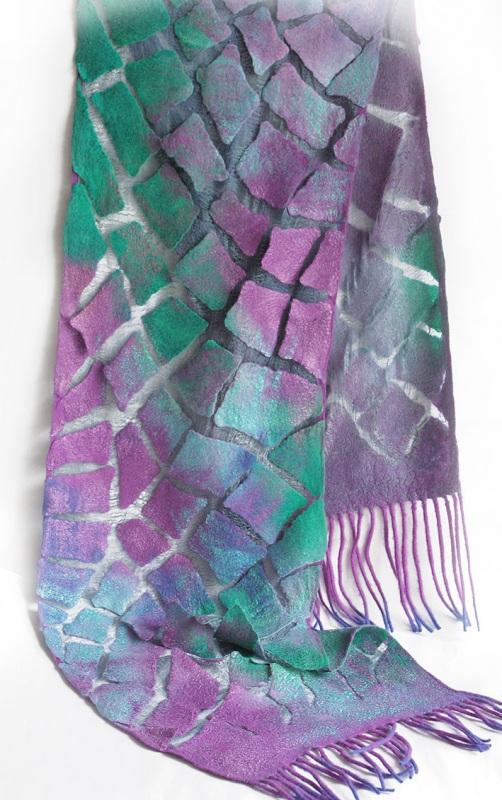 Валяный шарф Изумруды и фиолет Разноцветный шерсть, шелк, валяние Мастерская Теплых Подарков - фото 2