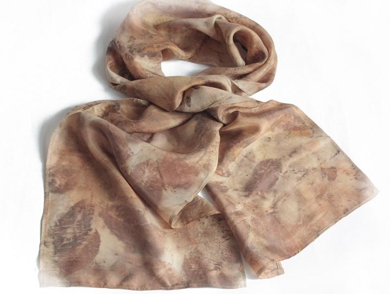 Шелковый шарф Ветер леса Коричневый шелк, екопринт Мастерская Теплых Подарков - фото 3
