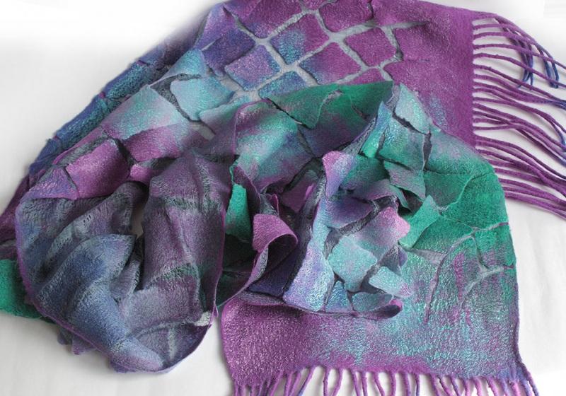Валяный шарф Изумруды и фиолет Разноцветный шерсть, шелк, валяние Мастерская Теплых Подарков - фото 6