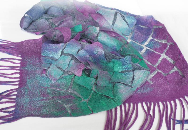 Валяный шарф Изумруды и фиолет Разноцветный шерсть, шелк, валяние Мастерская Теплых Подарков - фото 7