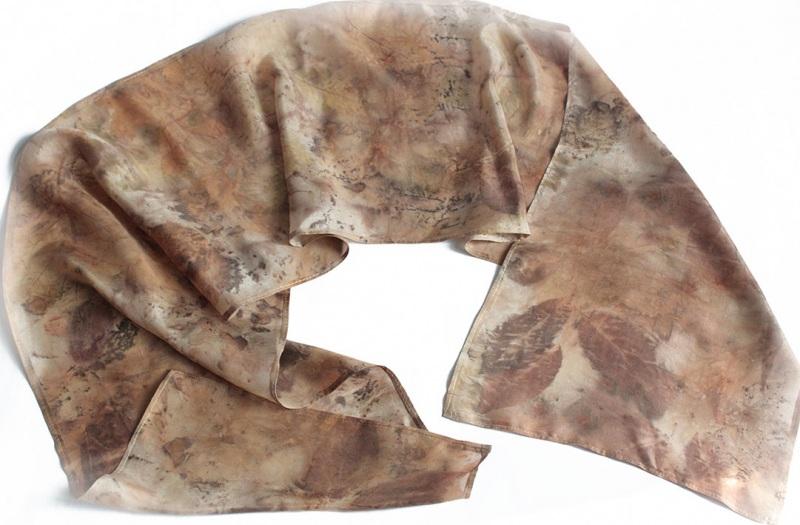 Шелковый шарф Ветер леса Коричневый шелк, екопринт Мастерская Теплых Подарков - фото 1